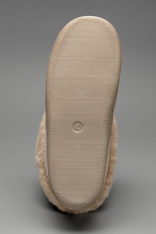Lammfellhauschuh mit rutschfester Sohle, Farbe beige